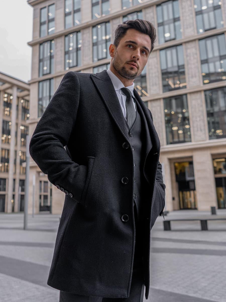 Пальто мужское черное Carter